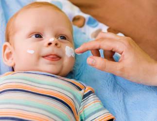 Какой крем выбрать для ребенка от сухости