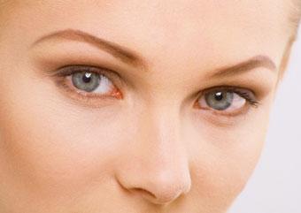Лечение шелушений кожи на лбу