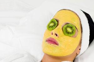 Увлажнение кожи лица при помощи масок