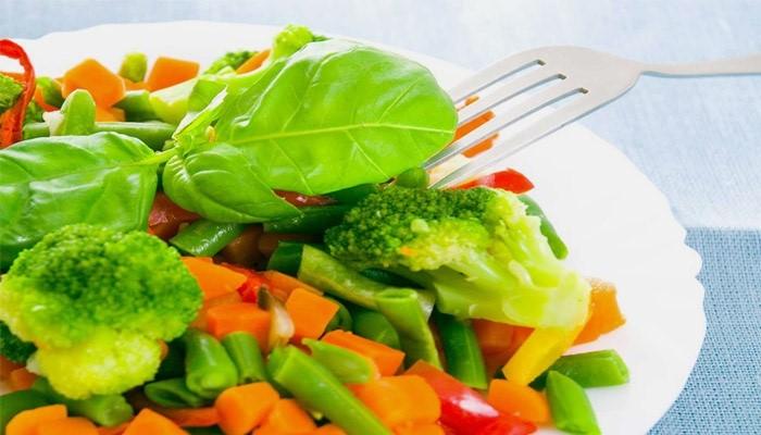 Салат из тыквы, брокколи и зеленых овощей